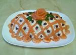 Салат «Праздничный» с кальмарами, креветками и семгой